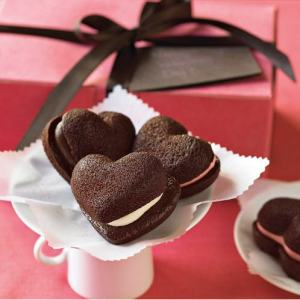 heart_shaped_whoopie_pies