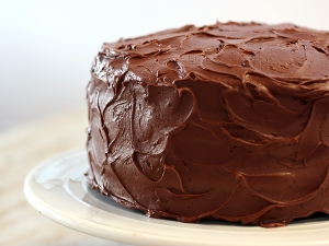 chcolate layer cake