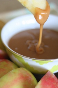 Easy-Caramel-Apple-Dip-2